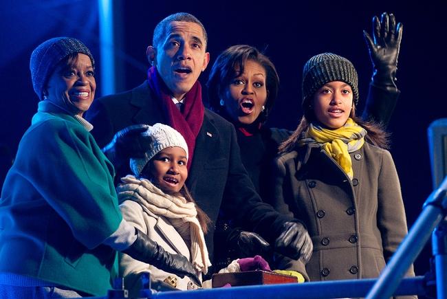 Những khoảnh khắc đáng nhớ bên vợ con của Tổng thống Obama trong 8 năm đương nhiệm - ảnh 9
