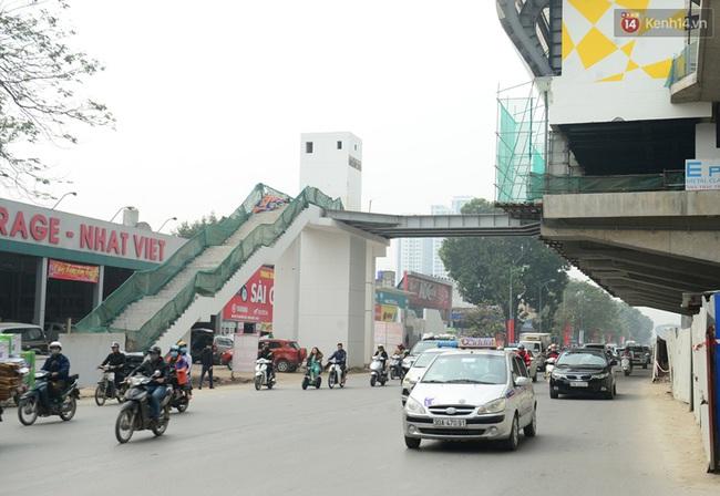 Cận cảnh đoàn tàu đường sắt Cát Linh - Hà Đông đang đóng gói, chuẩn bị vận chuyển về nước - Ảnh 9.
