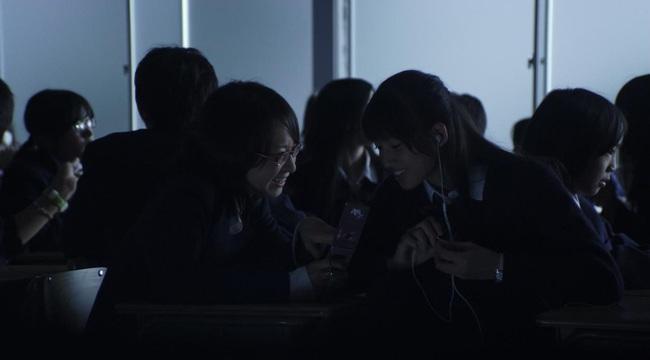 Confessions: Từ câu chuyện lớp học Nhật Bản gây ám ảnh đến nỗi sợ một xã hội vô cảm - Ảnh 9.