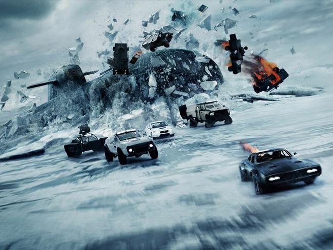 Nhìn lại sự tiến hóa của Hollywood qua từng phần phim Fast & Furious - Ảnh 14.