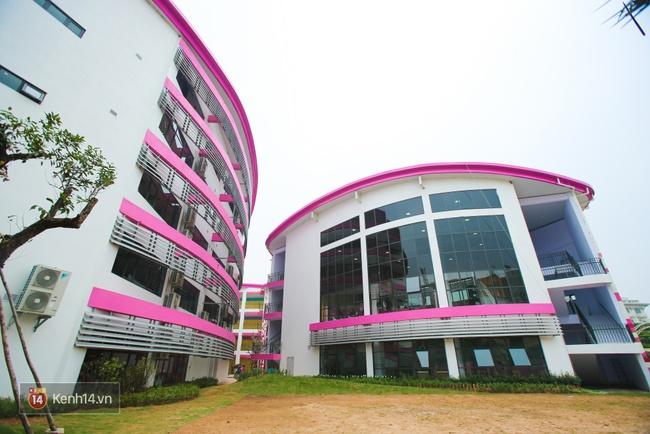 Du học tại chỗ ở Hà Nội tại ngôi trường mới toanh, sang xịn và toàn màu hồng! - ảnh 8