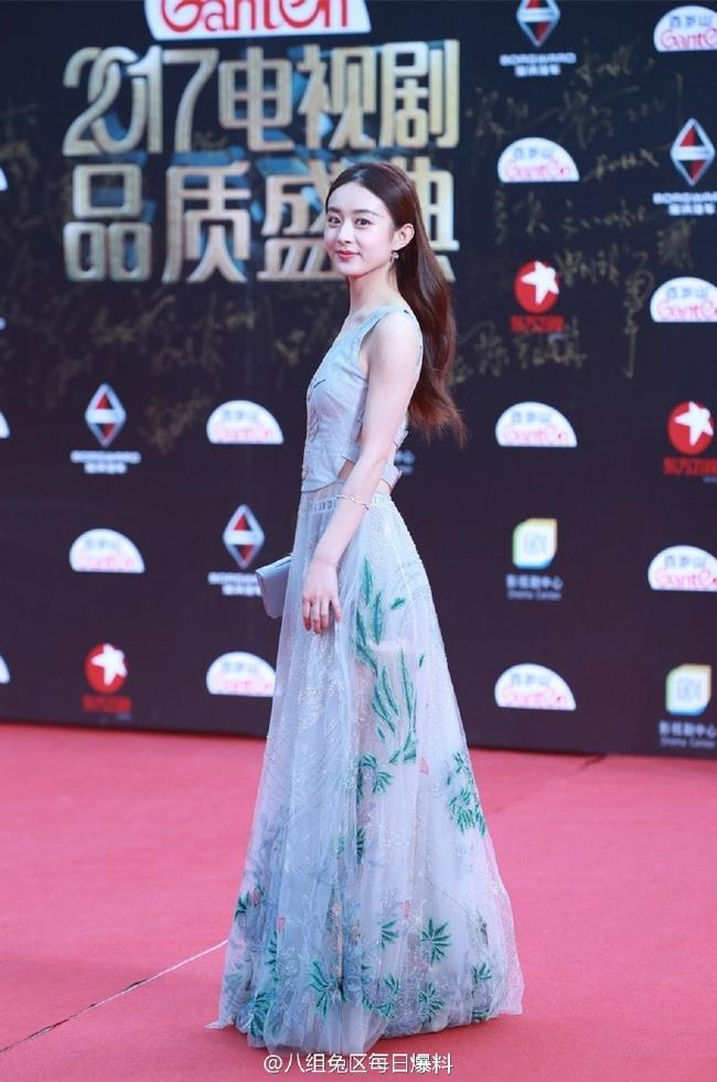 Thảm đỏ truyền hình Thượng Hải: Cuộc đua tranh sắc đẹp và khí chất của dàn mỹ nhân Cbiz - Ảnh 5.