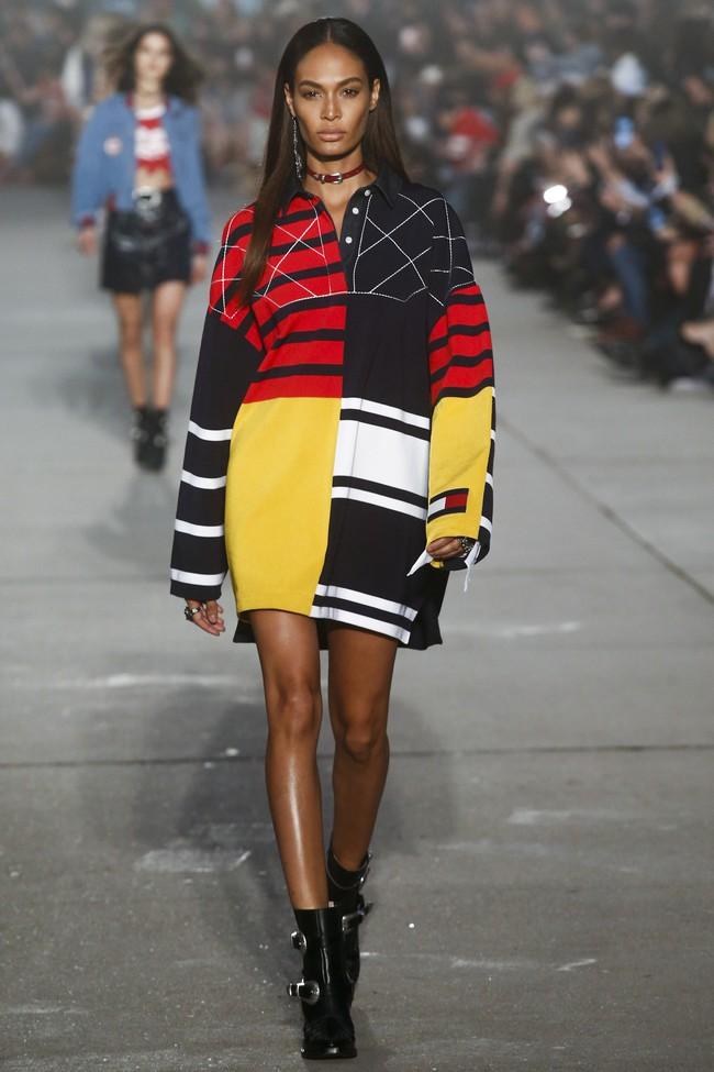 Cùng dự show Tommy Hilfiger, Jessica Jung được Vogue khen nổi bật không kém Lady Gaga - Ảnh 9.