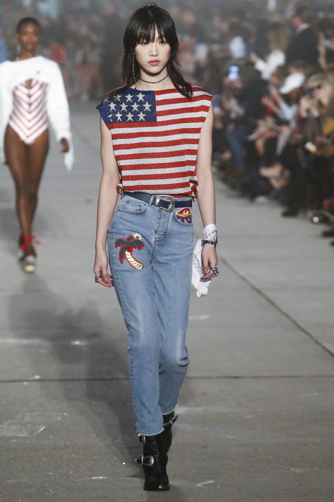 Cùng dự show Tommy Hilfiger, Jessica Jung được Vogue khen nổi bật không kém Lady Gaga - Ảnh 11.