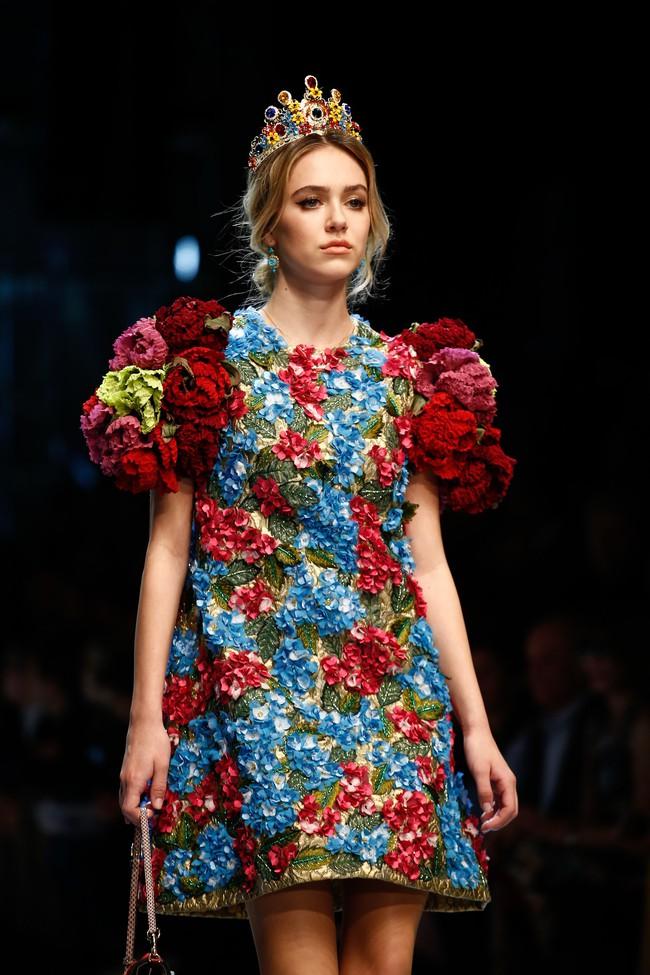 Lý Quí Khánh mang phong cách một mình một kiểu đến show Dolce&Gabbana tại Milan - Ảnh 21.
