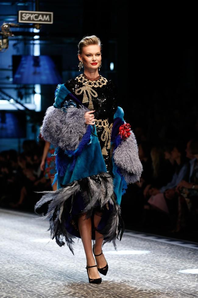 Lý Quí Khánh mang phong cách một mình một kiểu đến show Dolce&Gabbana tại Milan - Ảnh 22.