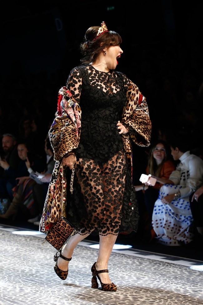 Lý Quí Khánh mang phong cách một mình một kiểu đến show Dolce&Gabbana tại Milan - Ảnh 24.