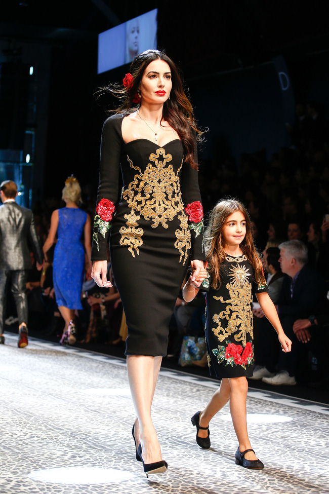 Lý Quí Khánh mang phong cách một mình một kiểu đến show Dolce&Gabbana tại Milan - Ảnh 25.
