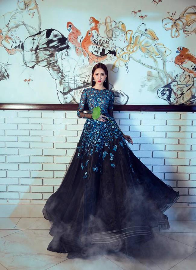 Hoa hậu Thu Thảo và Angela Phương Trinh đụng hàng: Cùng một chiếc váy nhưng mỗi người một vẻ - ảnh 2