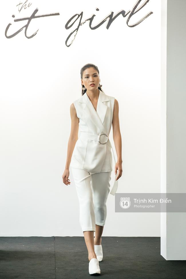 Netizen cho rằng BST của Angela Phương Trinh giống hết đồ các shop bán từ lâu - Ảnh 16.