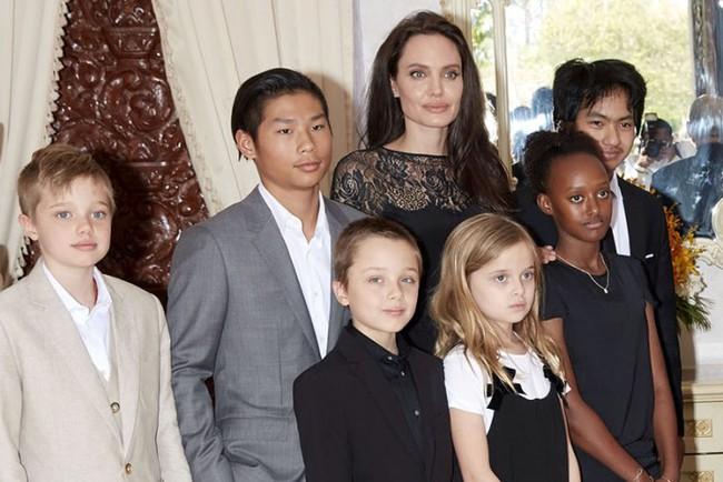 Brad Pitt mong mỏi Angelina Jolie và các con dọn về sống gần nhà mình - Ảnh 1.