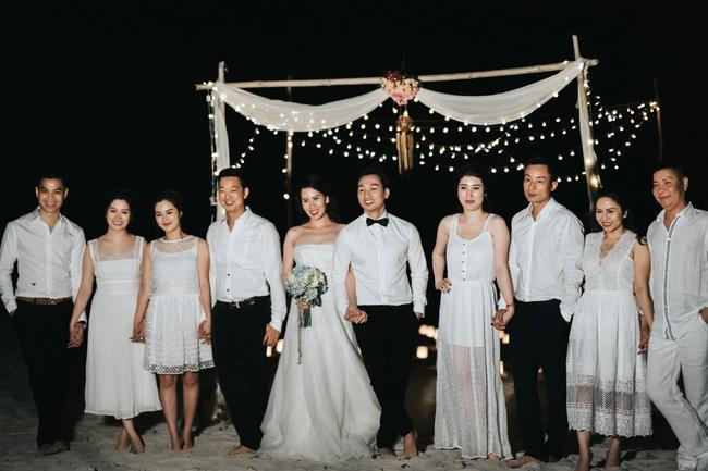 MC Thành Trung quỳ gối cầu hôn bạn gái bên bờ biển lãng mạn - Ảnh 13.