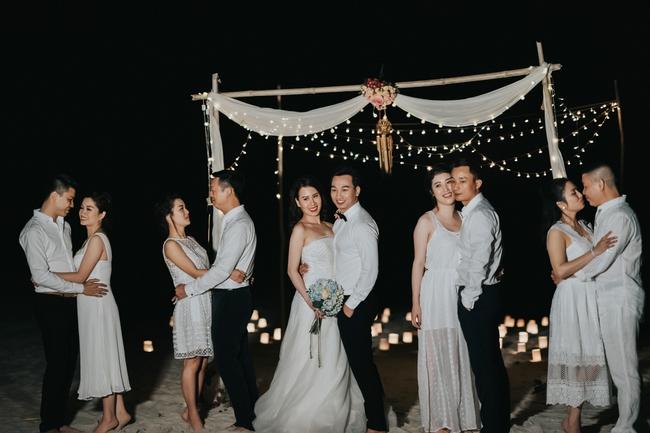 MC Thành Trung quỳ gối cầu hôn bạn gái bên bờ biển lãng mạn - Ảnh 12.