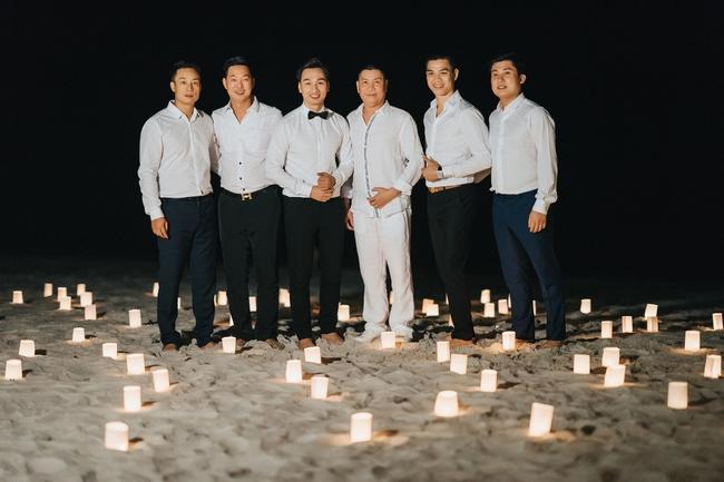 MC Thành Trung quỳ gối cầu hôn bạn gái bên bờ biển lãng mạn - Ảnh 9.