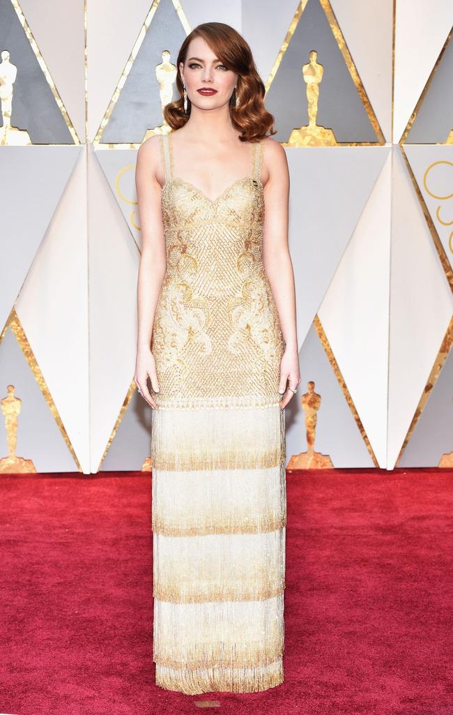 Oscar 2017: Bên cạnh loạt váy áo đẹp lộng lẫy cũng không thiếu những bộ làm tụt cảm xúc - Ảnh 1.