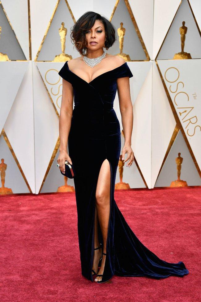 Oscar 2017: Bên cạnh loạt váy áo đẹp lộng lẫy cũng không thiếu những bộ làm tụt cảm xúc - Ảnh 8.