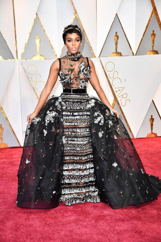Oscar 2017: Bên cạnh loạt váy áo đẹp lộng lẫy cũng không thiếu những bộ làm tụt cảm xúc - Ảnh 10.