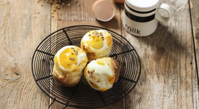 Người yêu có thể không có nhưng bánh bông lan phô mai trứng lòng đào này thì nhất định phải thử! - Ảnh 1.