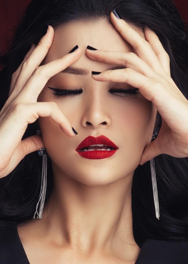 Nữ hoàng MV kinh dị Đông Nhi lại sắp khiến fan sởn gai ốc nữa rồi! - Ảnh 7.