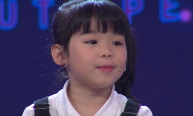 Cô bé 5 tuổi nói tiếng Anh như gió, phát âm cực chuẩn trong Biệt tài tí hon là ai? - Ảnh 6.