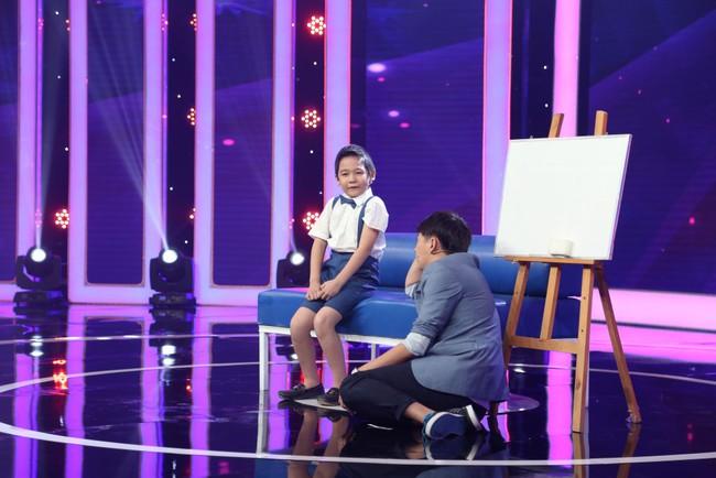 Bé 5 tuổi hát Anh cứ đi đi cực đau khổ rồi hồn nhiên nói chẳng biết cô Hari Won là ai - Ảnh 12.