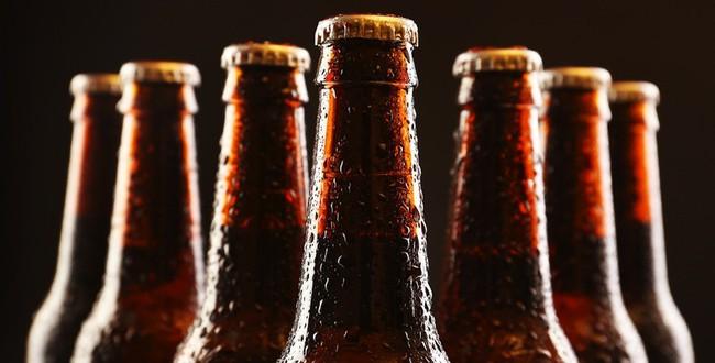Uống bia nhiều là thế nhưng bạn có biết vì sao vỏ chai bia chỉ có hai màu xanh và nâu? - Ảnh 3.