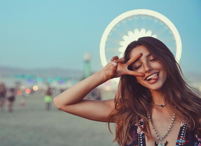 Ngày mai (28/4), Celine Farach - cô nàng sexy nhất mạng xã hội sẽ có mặt ở Sài Gòn! - Ảnh 6.