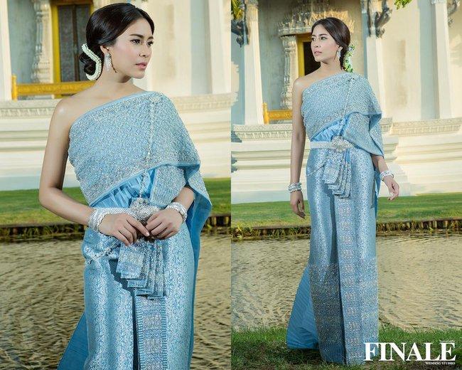 Vẻ đẹp thần thánh của các mỹ nhân hàng đầu Thái Lan trong trang phục truyền thống đón Tết Songkran - Ảnh 14.