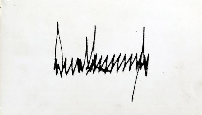So với những người tiền nhiệm, chữ ký dây thép gai của Tổng thống Donald Trump có gì khác biệt - Ảnh 1.