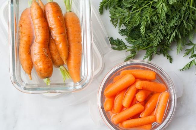 Khi mua cà rốt về, đầu bếp giỏi sẽ luôn bỏ phần này và đây là lí do - Ảnh 3.
