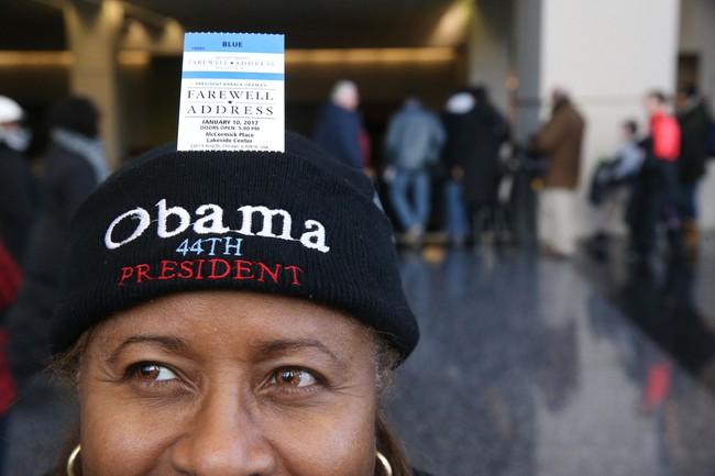 Người dân Mỹ xếp hàng dài chờ nghe bài phát biểu chia tay của Tổng thống Barack Obama - Ảnh 6.