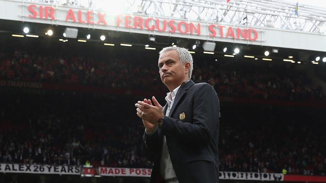 Man Utd thắng 8 trận liên tiếp: Sức mạnh tình yêu của Mourinho - Ảnh 3.