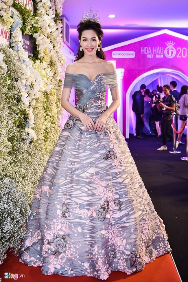Trước khi thiết kế váy cho tân HHHV, Hoàng Hải vốn đã là NTK của mọi Hoa hậu Việt - Ảnh 6.