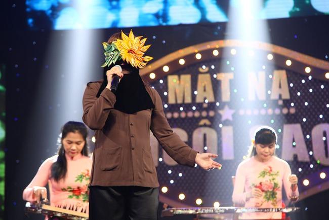 Thần tượng 8X Ngọc Linh bật khóc khi tái xuất showbiz sau 14 năm vắng bóng - Ảnh 4.