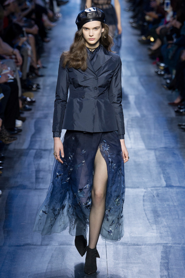 NTK Đỗ Mạnh Cường và giới mộ điệu Việt chê ỏng chê eo BST mới nhất của Dior - Ảnh 16.