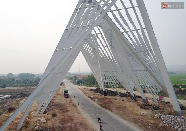 Clip: Cổng chào hoành tráng gần 200 tỷ đồng của tỉnh Quảng Ninh nhìn từ trên cao - Ảnh 3.