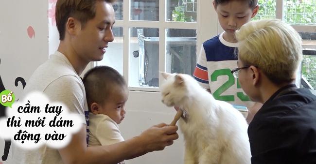 Đăng Khôi hốt hoảng khi con trai bỏ cả thức ăn của mèo vào miệng - Ảnh 2.