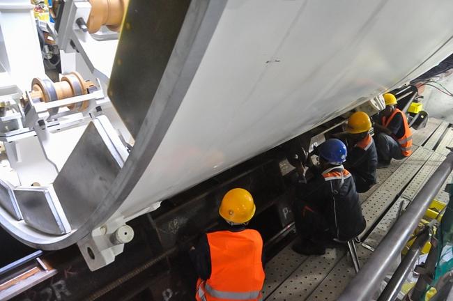 Cận cảnh robot siêu khủng, hiện đại nhất thế giới sẽ đào gần 800m đường hầm cho Metro Sài Gòn - Ảnh 17.