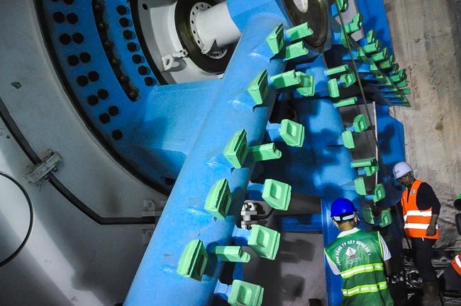Cận cảnh robot siêu khủng, hiện đại nhất thế giới sẽ đào gần 800m đường hầm cho Metro Sài Gòn - Ảnh 9.