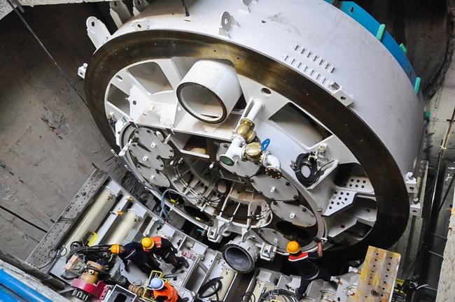Cận cảnh robot siêu khủng, hiện đại nhất thế giới sẽ đào gần 800m đường hầm cho Metro Sài Gòn - Ảnh 8.