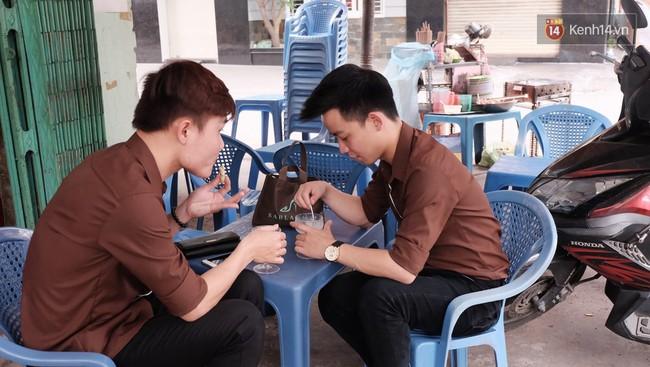 Bạn trẻ Sài Gòn rủ nhau ủng hộ cụ bà 70 tuổi bán kem nuôi chồng bệnh và cháu ăn học - Ảnh 9.