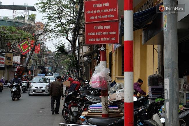 Sau Sài Gòn, Hà Nội ra quân giành lại vỉa hè cho người đi bộ - Ảnh 12.