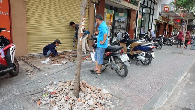 Người Sài Gòn nói gì khi vỉa hè ở trung tâm quận 1 đã được giành lại sau 7 ngày ra quân quyết liệt - Ảnh 4.