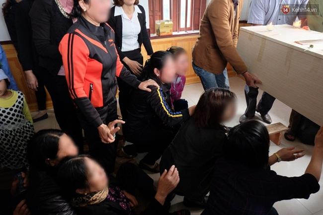 Hàng trăm người bật khóc tiễn biệt bé gái người Việt bị sát hại ở Nhật về với đất mẹ - Ảnh 3.