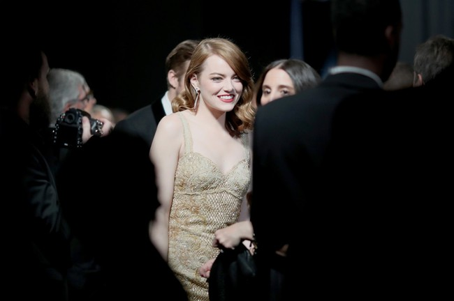 Đã thắng Oscar lại đẹp hết phần người khác, Emma Stone chính là nữ thần của đêm trao giải! - Ảnh 7.