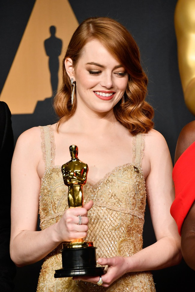 Đã thắng Oscar lại đẹp hết phần người khác, Emma Stone chính là nữ thần của đêm trao giải! - Ảnh 9.