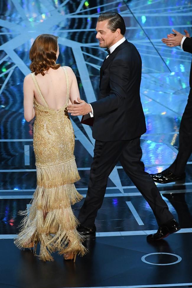 Đã thắng Oscar lại đẹp hết phần người khác, Emma Stone chính là nữ thần của đêm trao giải! - Ảnh 12.