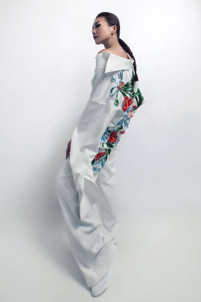 Siêu mẫu Thanh Hằng trở thành Em Hoa của NTK Công Trí! - Ảnh 3.