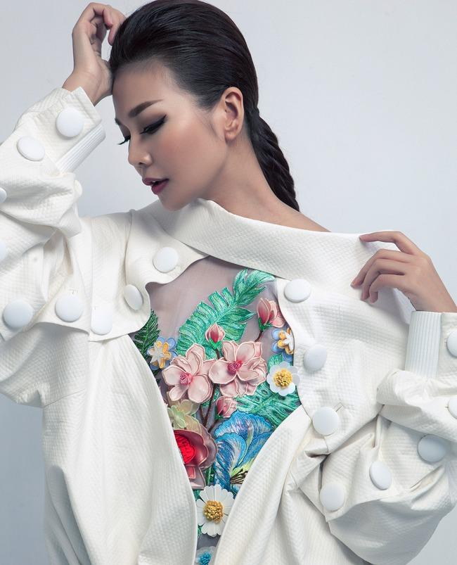 Siêu mẫu Thanh Hằng trở thành Em Hoa của NTK Công Trí! - Ảnh 5.