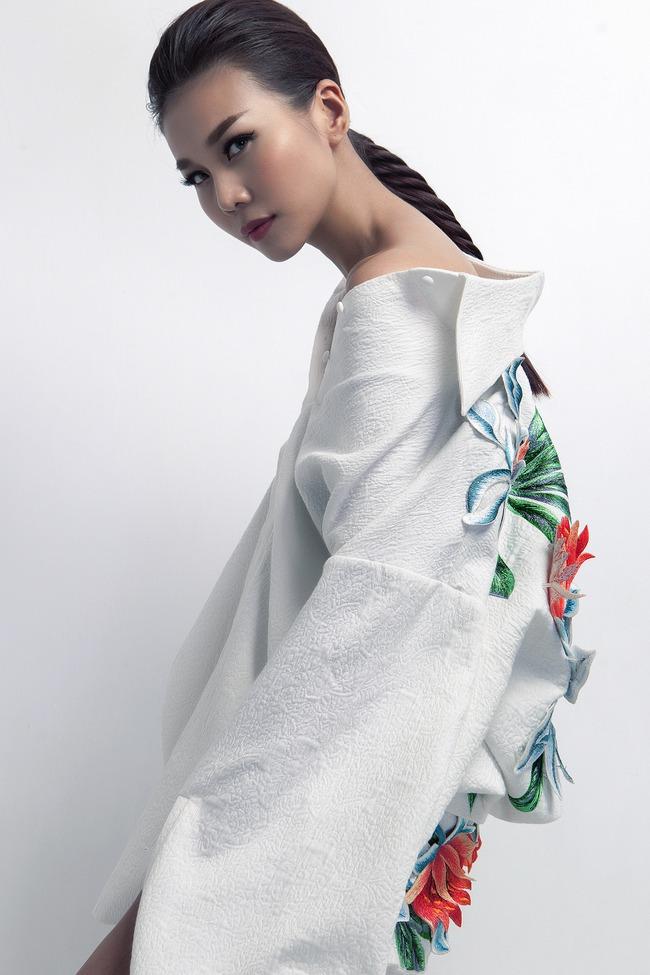 Siêu mẫu Thanh Hằng trở thành Em Hoa của NTK Công Trí! - Ảnh 7.